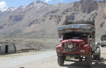 A classic old Indian truck making the hazardous trip from Manali to Leh