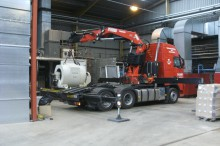 Installation of a generator using a Hiab crane