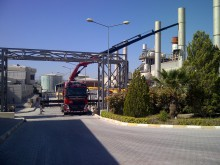 Removal of a control room using a Hiab in Turkey
