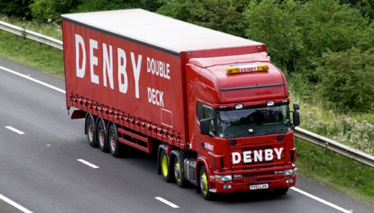 Double Deck trailer en route