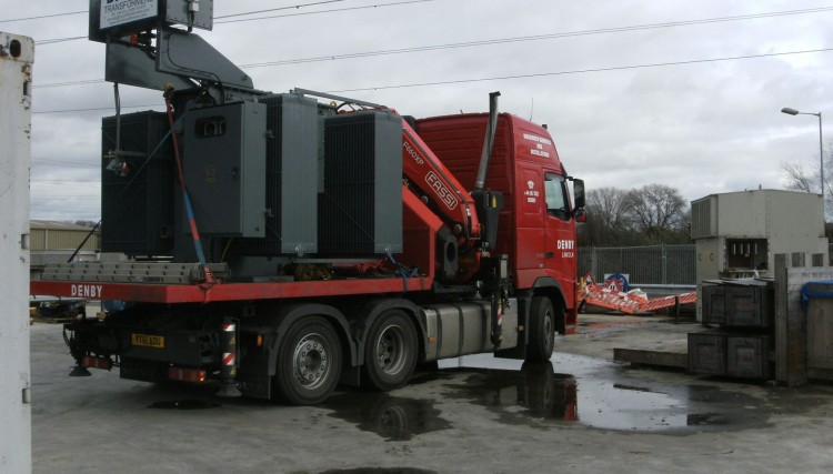 Using the Hiab as a small bodied rigid