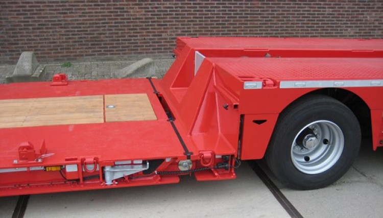 Fully Extendable Low Loader - up to 20 metres in length