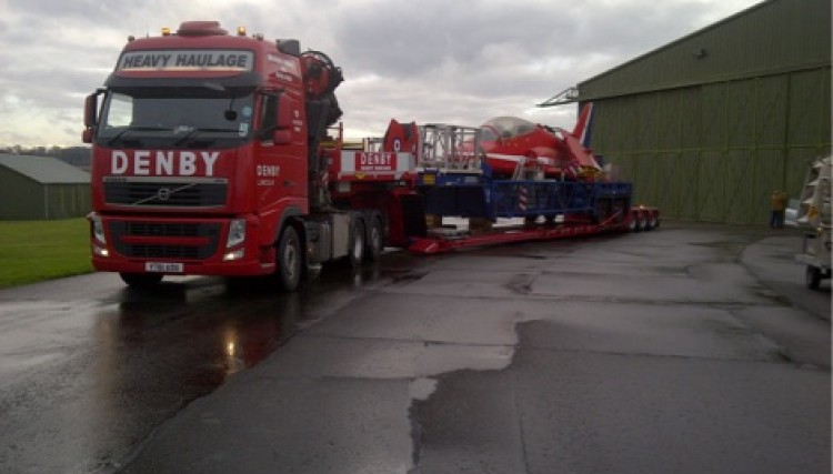 Low loader - Moving abnormal load for RAF